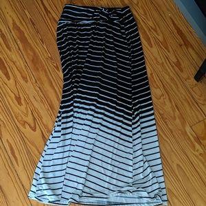 Robert Louis Maxi Skirt Black/White Size Small